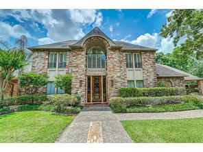 810 e herdsman drive, houston, TX 77079