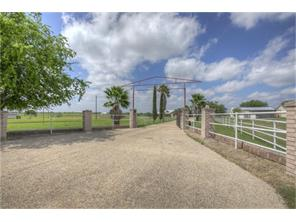 1260 country, marion, TX 78124