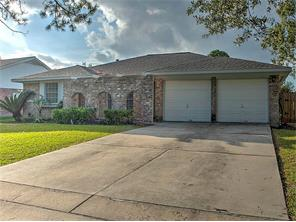 11830 mulholland dr, meadows place, TX 77477