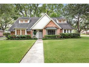 8019 skyline drive, houston, TX 77063